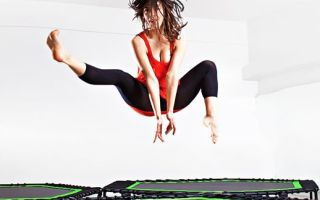 Упражнения на батуте помогут сбросить 10 кг! Как начать тренировку?