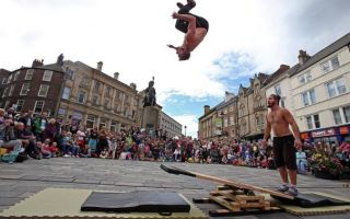 Акробатика, гимнастика и жонглирование