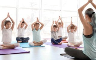 Йога для детей: подходит ли это для физических упражнений?