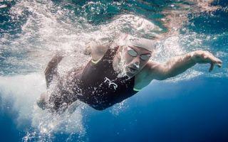 Как правильно дышать во время плавания