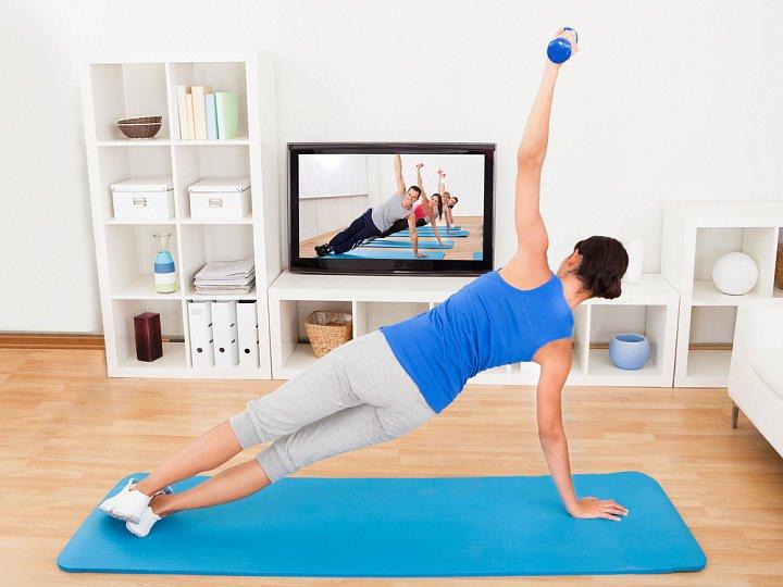 Как дома накачать пресс за неделю, используя простые упражнения, фото