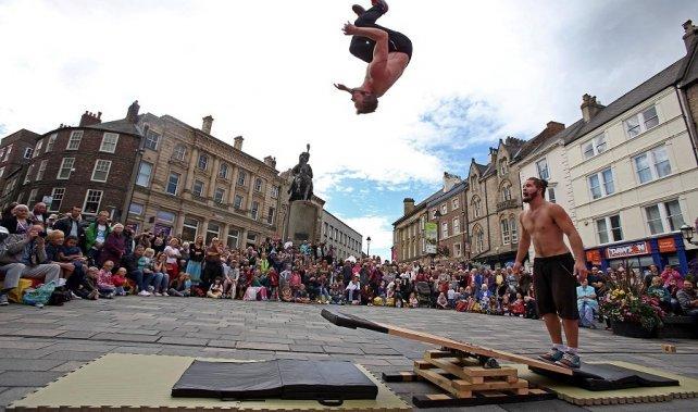 акробатическая гимнастика